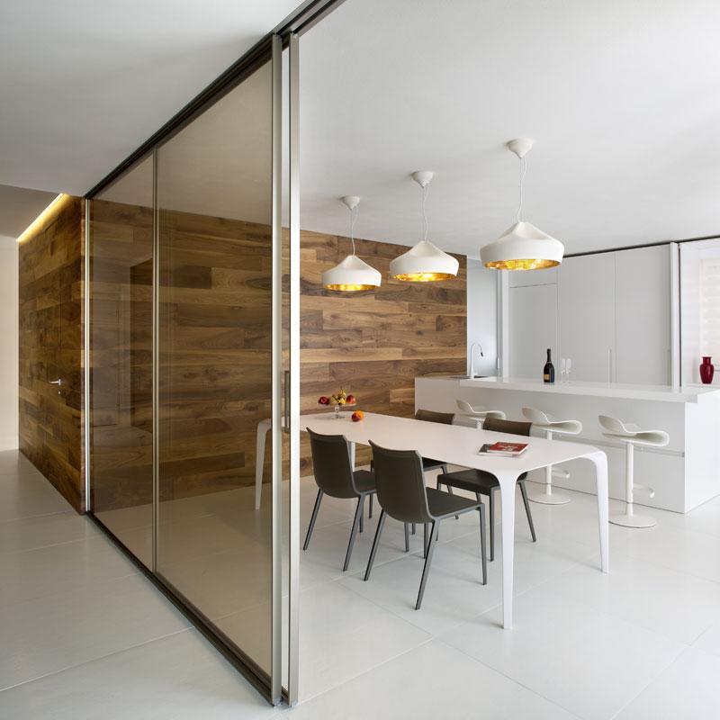 tavole-di-legno-parete-ufficio-design